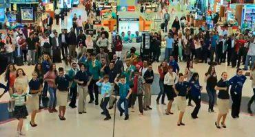 Wenn Flugbegleiterinnen zum Tanzen einladen