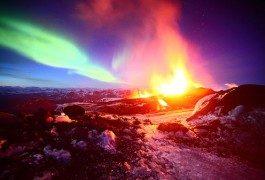 Vulkan vom Polarlicht geküsst