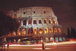 Italiens Sehenswürdigkeiten stehen schief