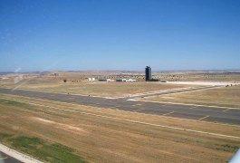 Almodóvar landet für seinen nächsten Film auf dem Flughafen Ciudad Real