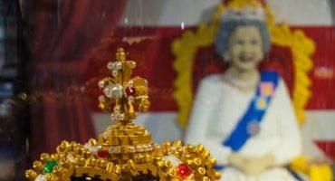 Legoland Windsor baut sich eine Queen aus LEGO-Steinen