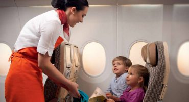 Etihad holt fliegende Kindermädchen an Bord