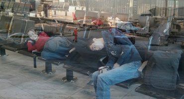 Übernachten am Flughafen: Nickerchen vor dem Check-in