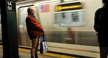 No Pants Subway Ride: Ohne Hose mit der U-Bahn
