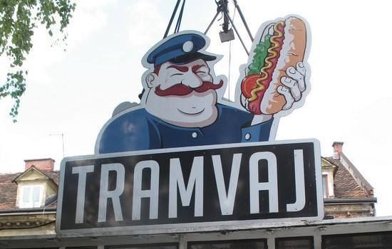 Tramvaj - Fast Food aus der Straßenbahn