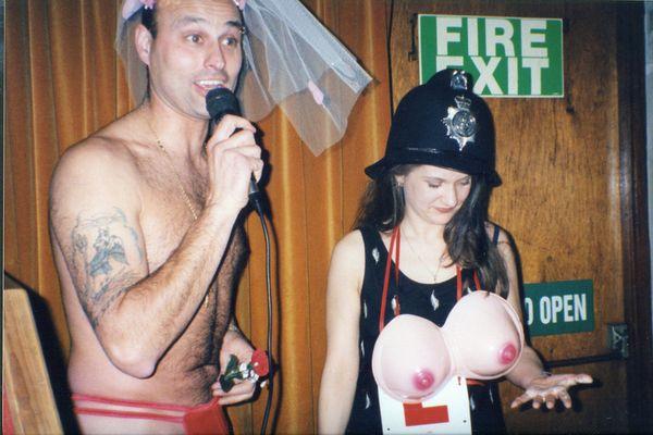 hen-party-striptease