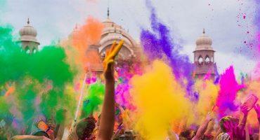 Dresscode: Farben, die Sie auf Reisen vermeiden sollten