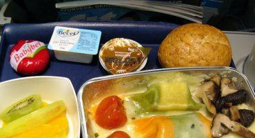 Lufthansa liefert Flugzeugessen aus