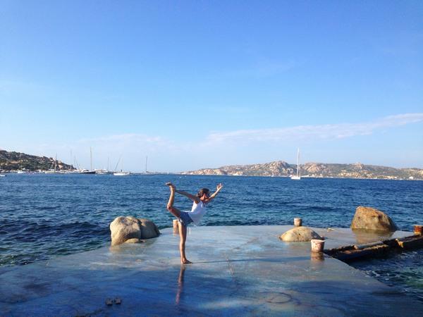 jeanette yoga in sardinien