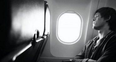 Besser schlafen im Flugzeug