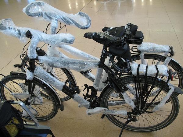 fahrradtransport-verpackung-flugzeug