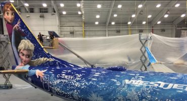 WestJet präsentiert Flugzeug im Frozen-Look