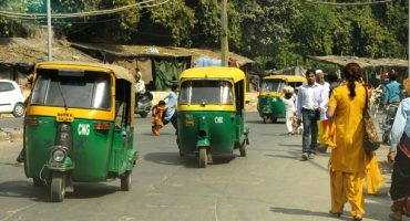 Immer mehr Frauen in Indien fahren Rikscha