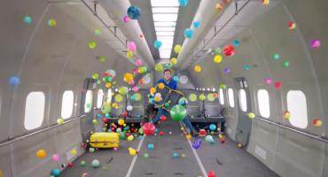 Musikvideo zeigt Schwerelosigkeit im Flugzeug