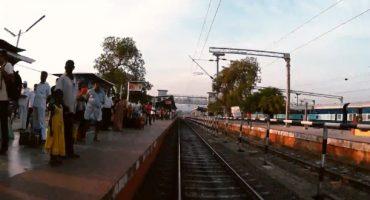 Video: In zwei Minuten mit dem Zug durch Indien