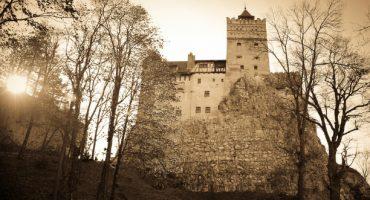Halloween: Gewinnen Sie eine Übernachtung in Draculas Schloss
