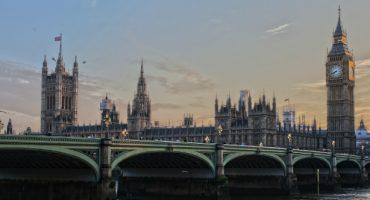 Zip-line: Mit Vollkaracho durch die Londoner Innenstadt fliegen