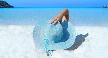 Vier geniale Ideen, um Wertsachen am Strand sicher zu verwahren