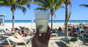 Deutsche schämen sich für Landsleute, die sich im Urlaub daneben benehmen